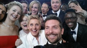 Ellen-Selfie[1]