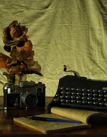 5 Essential Habits of Successful Writers — A Guest Post